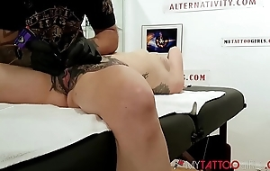 Await Marie Bossette Getting an Way-out Tattoo first of all her CLIT