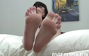 I non-appearance wide show you my freshly pedicured toes