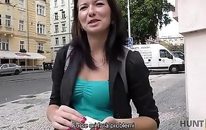 HUNT4K. Praga &egrave_ la capitale del turismo sessuale!