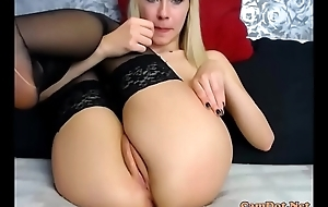 Blonde wearing a pantyhose and masturbating