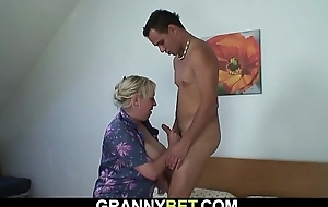Big tits granny spreads wings for young ladies'