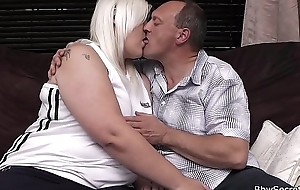 Wife finds retrench premier with blonde BBW