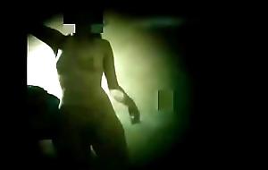 Espiando a mi hermana desnuda en el ba&ntilde_o 1 - voyeur Argentina