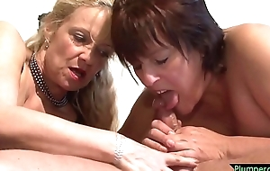 Cumcovered BBW pussyfucked in stockings