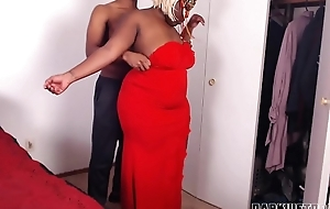 Big Plunder Stepmom Needed Some Help With Her Zipper