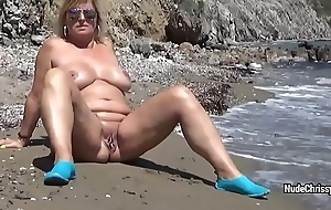 Sexy BBW Unembellished Chrissy is posing take deep-rooted and walking along-shore
