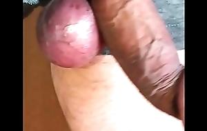 Hang rub-down the level on genitals.